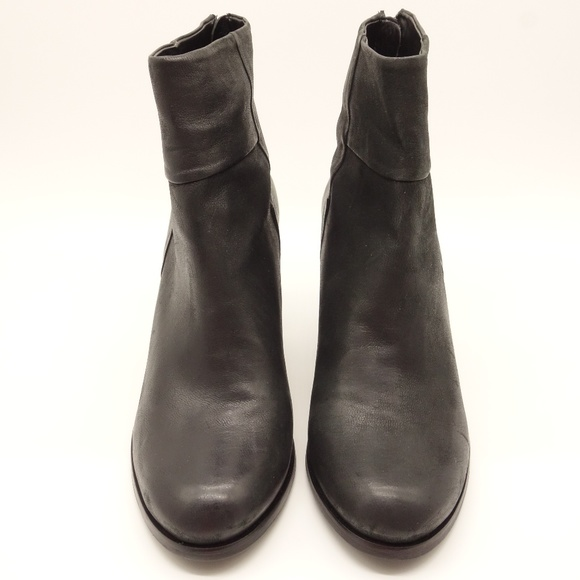 9c94d98f9e6 NEW ARTURO CHIANG Hadley Leather Ankle Boot 💋